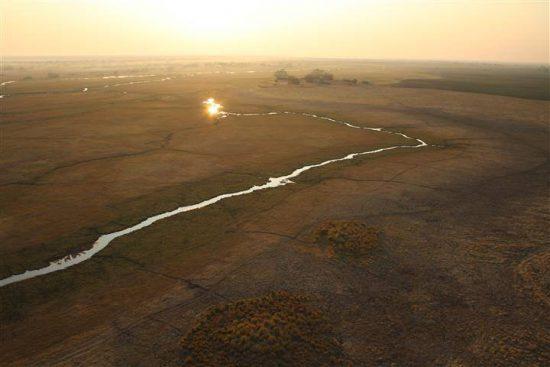 Samantha: Vista aérea de un globo de aire caliente sobre Zambia