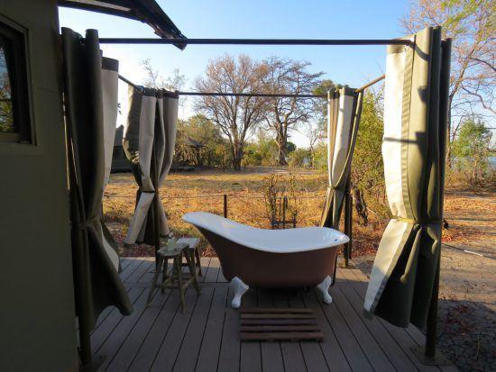 Baignoire extérieure à Old Drift River Lodge