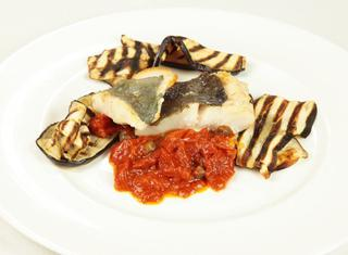 Come preparare il filetto di San Pietro con melanzane