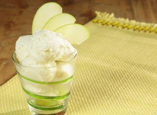 Come preparare il gelato alla mela verde