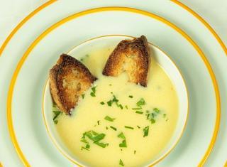Come fare la zuppa d'aglio