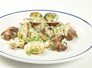 Come cucinare il risotto alle vongole guide di cucina for Cucinare risotto
