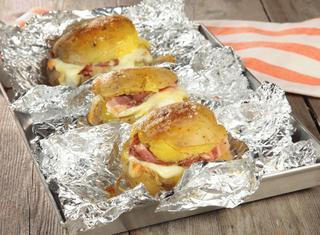 Ricetta: patate ripiene al formaggio e pancetta