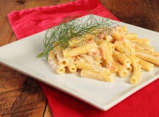 5 modi per cucinare la pasta con il salmone guide di cucina for Cucinare per 50