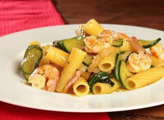 Ricetta: pasta zucchine e gamberetti