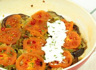 Come preparare le melanzane in salsa allo yogurt