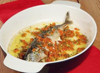 Come cucinare il pesce azzurro guide di cucina - Come cucinare il pesce serra ...