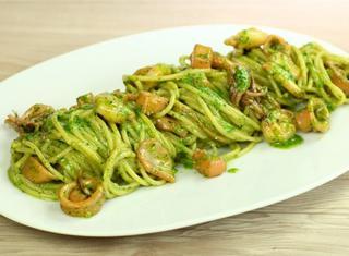 Spaghetti misto mare in verde