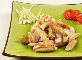 Pollo marinato e grigliato in stile giapponese