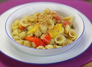 Pasta peperoni e mollica