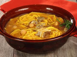 Zuppa di ceci con funghi e tagliolini