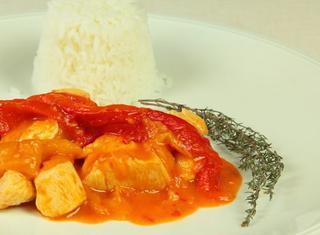 Spezzatino di pollo con i peperoni
