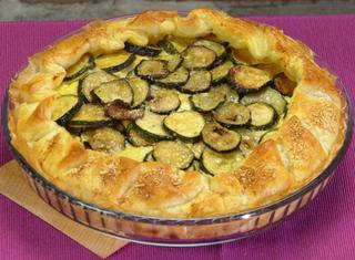 Torta salata porri, ricotta e zucchine