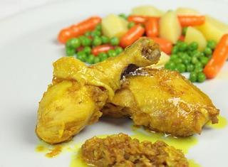 Murghi khasa pollo marinato e speziato indiano