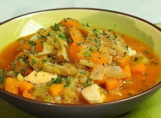 Minestrone di pollo e verdure