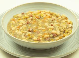 Piselli d'Antiochia zuppa di fagioli e platani