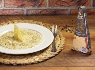 Risotto al parmigiano in due consistenze