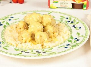 Polpette di riso al limone in brodo