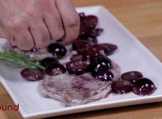 Maiale uva e rosmarino