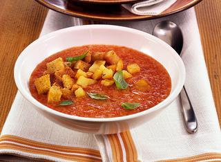 Come preparare la zuppa di pane e pomodoro