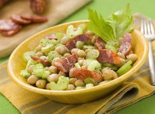 Come preparare insalata di ceci e sedano