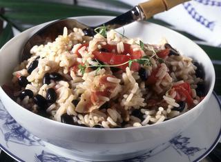 Come cucinare riso e fagioli neri