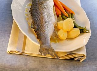 5 modi di cucinare il branzino guide di cucina for Cucinare branzino