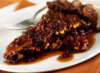 Torta croccante di noci