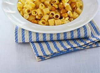 Ricetta: pasta con uova e pecorino