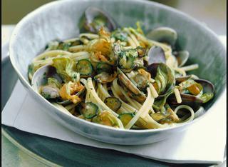 Linguine con zucchine e vongole veraci