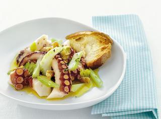 Ricetta: insalata di polpo con sedano e noci