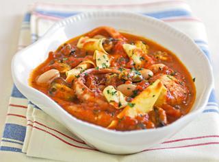 Pasta e fagioli con cozze e pesce