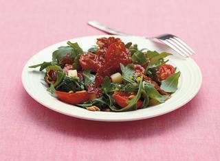 Rucola croccante con grana e salsa al basilico