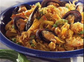 Paella spagnola di pesce