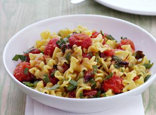 Ricetta Pasta capperi, rucola e pomodorini