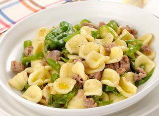 Ricetta Orecchiette con salsiccia e peperoncini verdi dolci