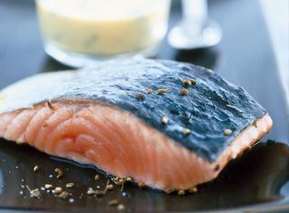 Ricetta Filetto di salmone con salsa