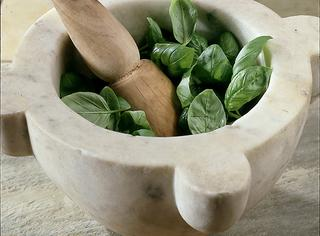 Pesto alla genovese tradizionale