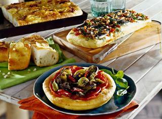 Pizza con le alici fresche