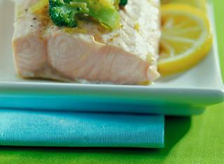Ricetta Salmone con broccoletti