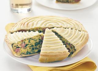 Ricetta Torta salata con erbette, grana e salsiccia