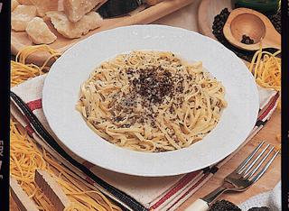 Ricetta Tagliolini alla norcina con i tartufi