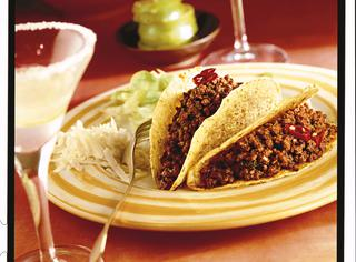 Tacos con carne e formaggio