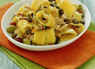 Ricetta Pasta al tonno, capperi e olive