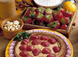 Torta delicata alle fragole