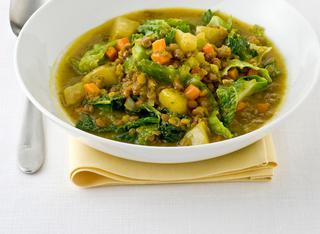 Zuppa di lenticchie rosse e verza