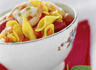 Pasta con scampi al basilico e pomodoro fresco