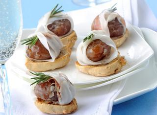 Crostini sfiziosi ai marrons glacés e lardo