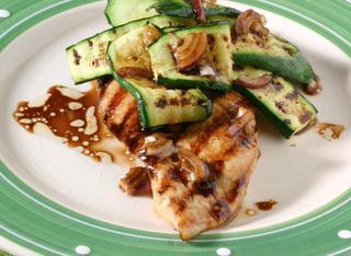 Ricetta Petto di pollo con zucchine grigliate