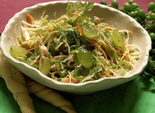 Insalata croccante di verdure e pollo